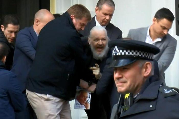 Detienen al fundador de Wikileaks en Londres tras retiro de protección de Ecuador
