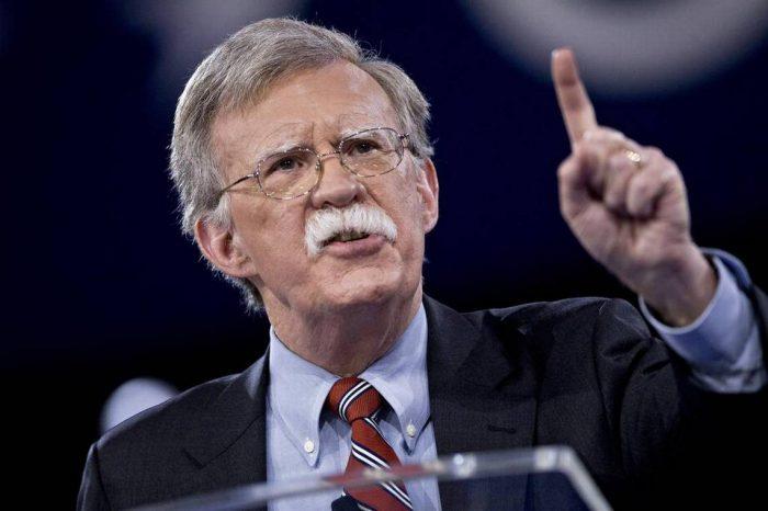 Bolton: comunidad internacional debe ver la tiranía de Maduro