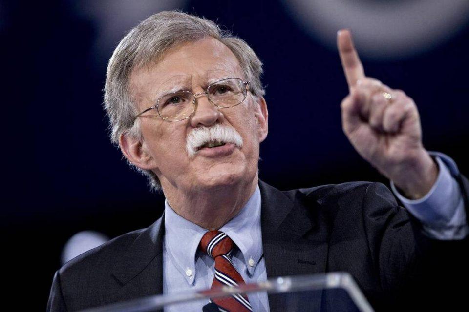 Bolton envía nueva amenaza en contra de Nicolás Maduro