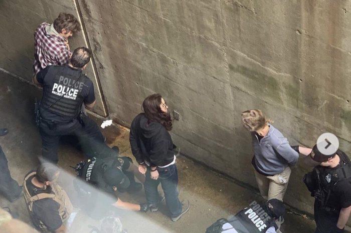 EN FOTOS: Detención de activistas en Embajada de Venezuela en EEUU