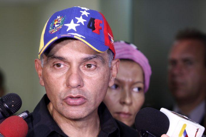 Hebert García Plaza prevé intención bélica de Maduro con Operación Petróleo Soberano