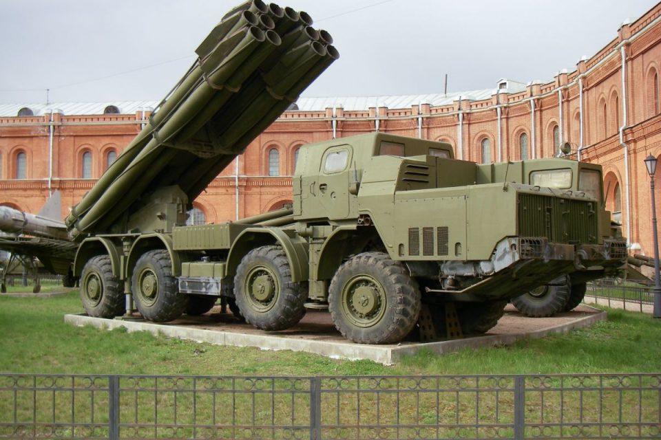 Mientras niños mueren en Venezuela régimen prueba lanzacohetes ruso