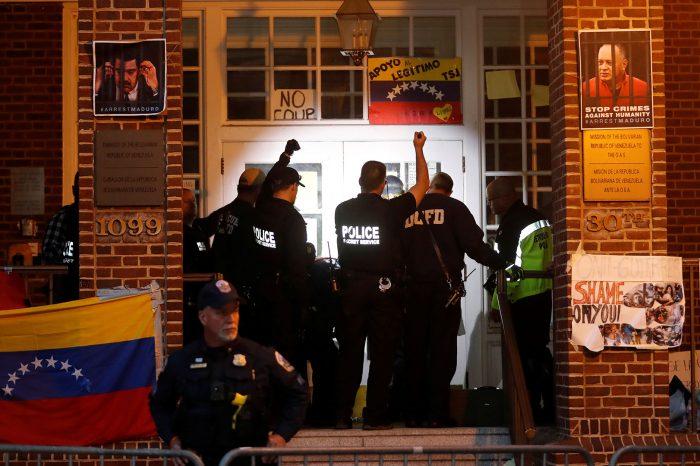 Cesó la usurpación en la Embajada de Venezuela en EEUU