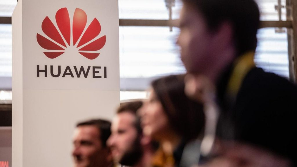 Alianza entre Maduro y Huawei representaría una amenaza para Venezuela