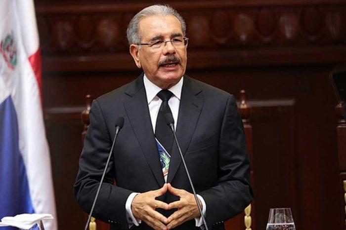 Piden renuncia de presidente dominicano Danilo Medina por sobornos de Odebrecht