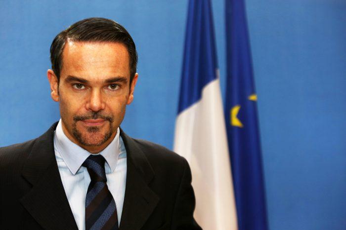 Francia en pro de aceptación de pasaportes venezolanos vencidos