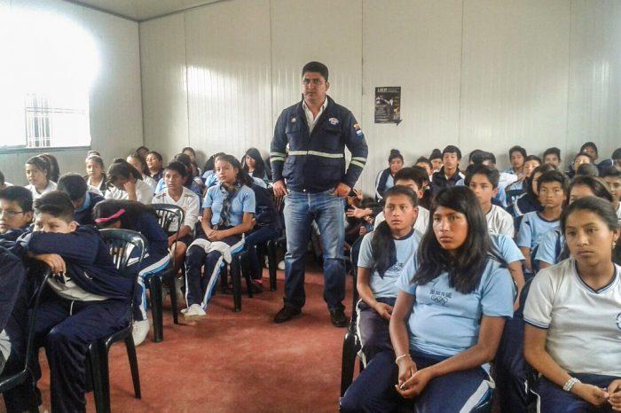 Ecuador ha recibido a 16 mil 851 alumnos venezolanos
