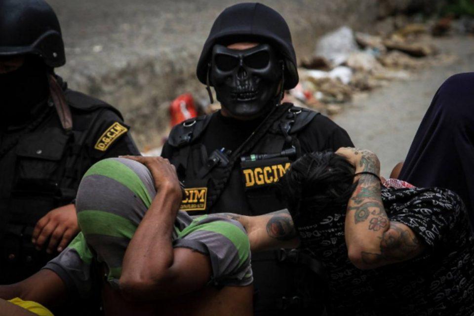 Torturas y detenciones continúan detrás del diálogo