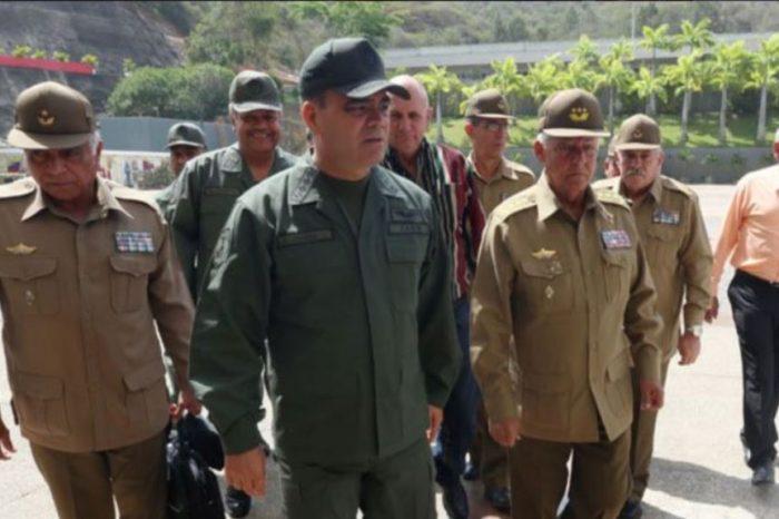 Maduro sin dólares para renovar contrato de asesores y médicos cubanos en Venezuela