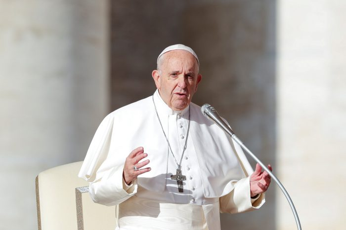 Papa Francisco pide acuerdo para poner fin al sufrimiento de Venezuela