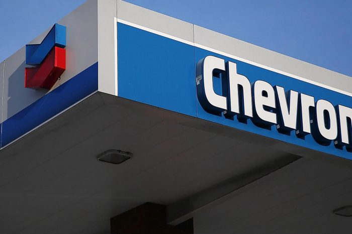 Maduro podría expropiar activos de Chevron si EEUU no permite a la petrolera quedarse en Venezuela