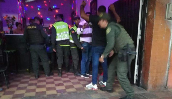 Colombia ejecuta operativo policial y detienen a más de 100 venezolanos ilegales