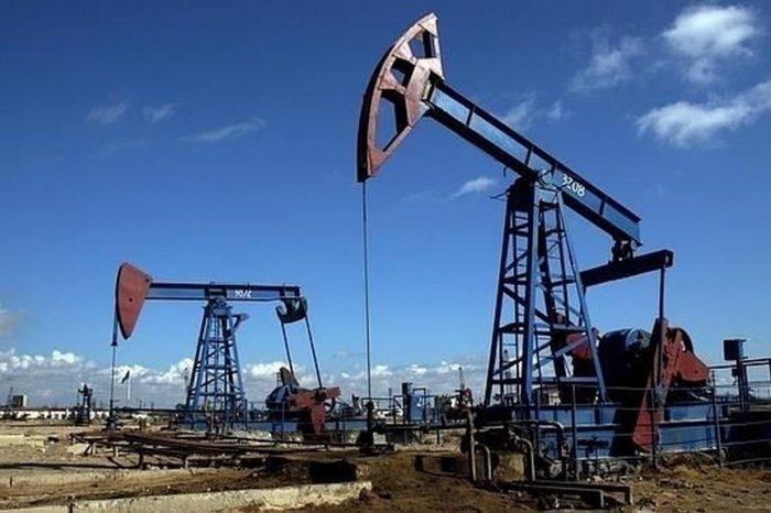 Producción petrolera de Venezuela sigue en picada y baja a 734 mil barriles diarios