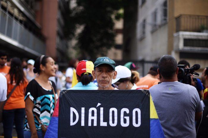 Se retoma diálogo en Barbados mientras EEUU acorta el tiempo de Maduro