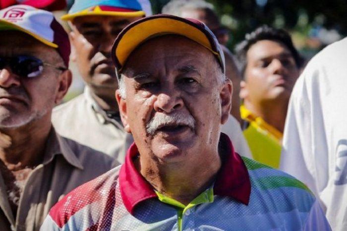Justicia controlada por el régimen condenó a dirigente sindical Rubén González