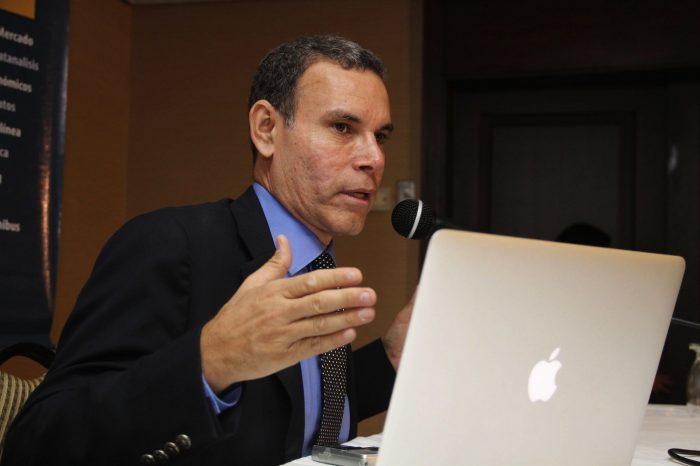 Luis Vicente León explicó la razón de la doble contabilidad en Bs y Petros