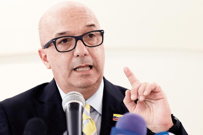 Iván Simonovis explicó crisis venezolana a militares del Comando Sur