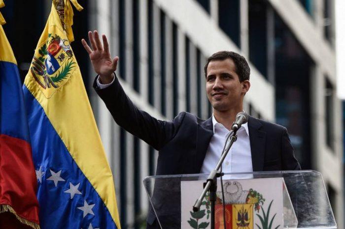 ¡Una vez más! Guaidó burló al régimen y se fue de gira internacional