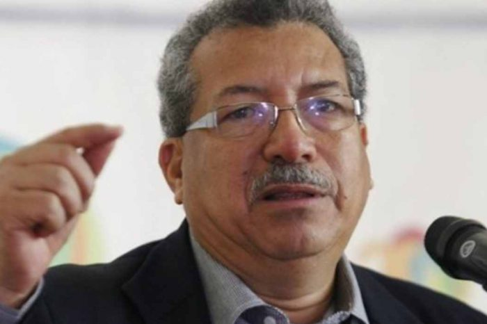 Saúl Ortega asegura que la AN está disuelta y exige convocar elecciones