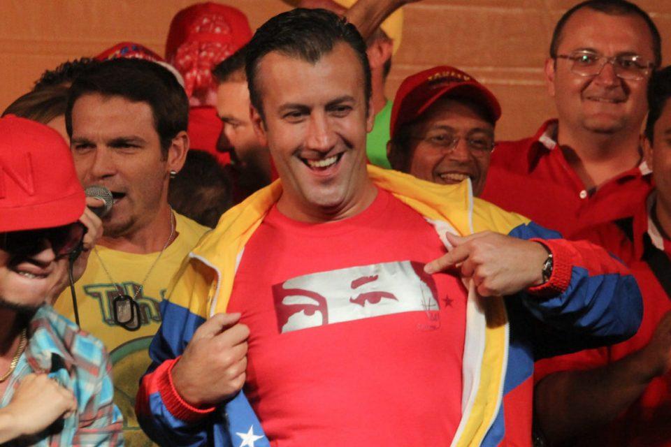 Denuncian que El Aissami entregó pasaportes venezolanos a Hezbollah