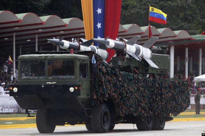 El régimen anuncia despliegue de misiles en frontera con Colombia