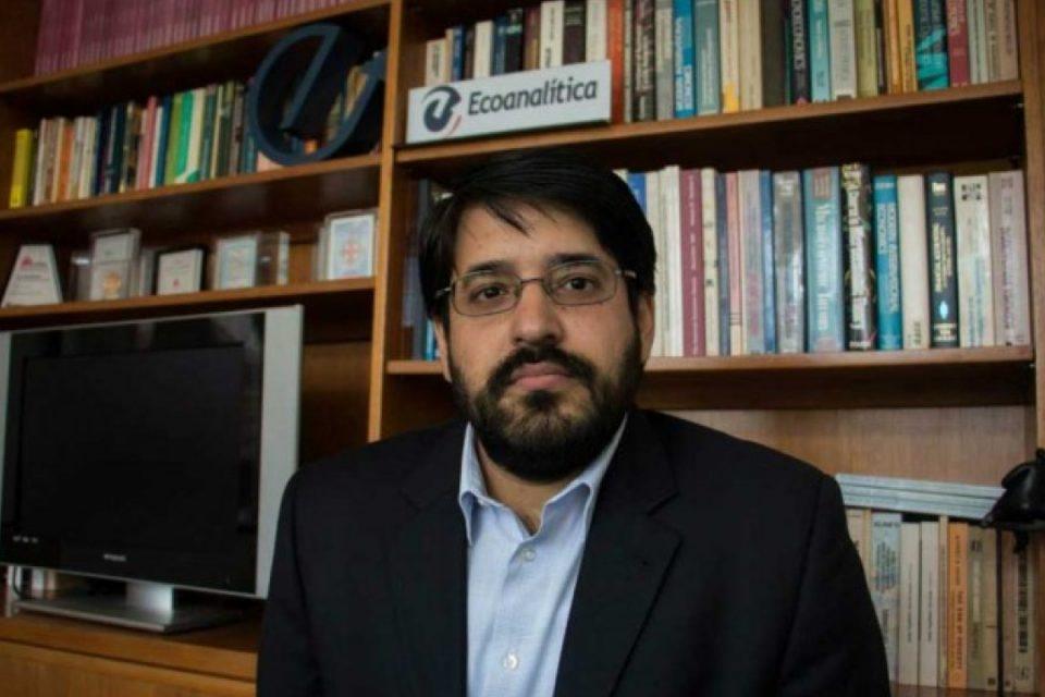 Asdrúbal Oliveros asegura que la escasez de dólares impide el crecimiento del país