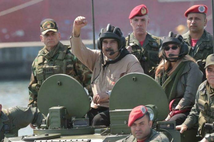 Ejercicios militares de Venezuela en la frontera colocan en alerta a Colombia