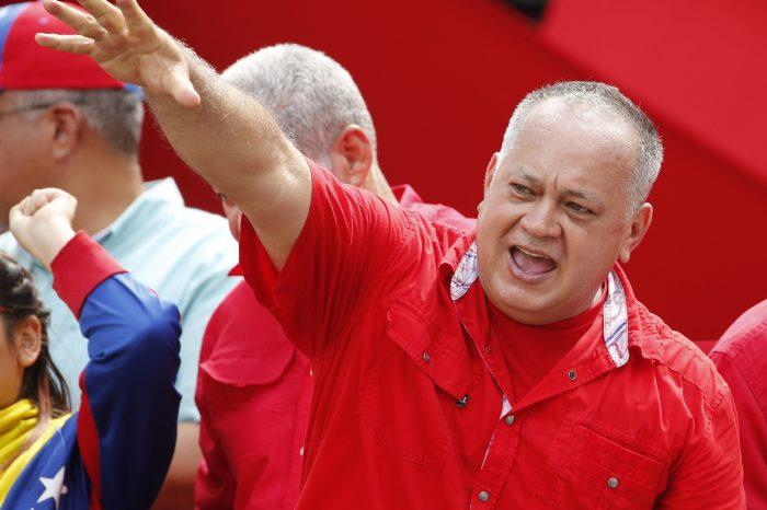 """Cabello llama a los venezolanos a defender a su país ante los """"ataques"""" de Colombia"""