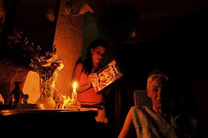 ¡Sigue la presión! Se registran apagones en Cuba por falta de diésel venezolano