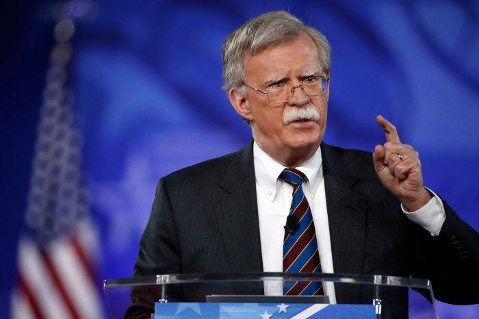 """Bolton desmiente a Trump: """"Ofrecí renunciar sin que él lo pidiera"""""""