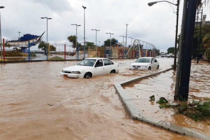 Videos | Así afecta la tormenta Karen al estado Vargas este 22Sep