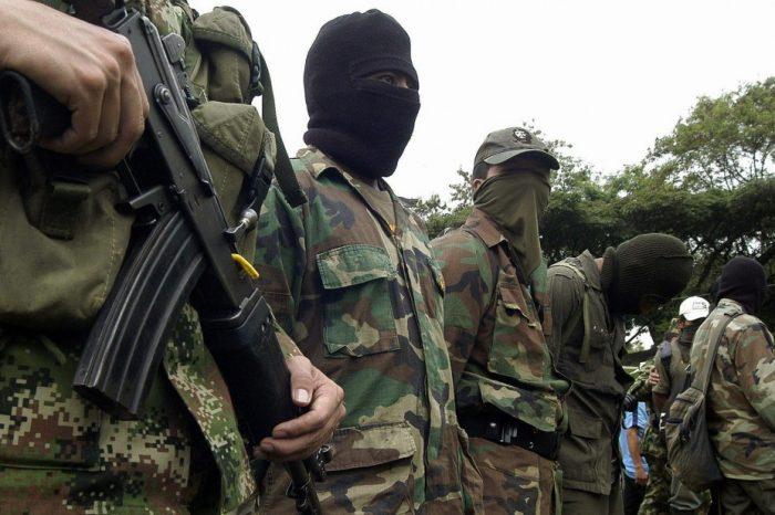 ¿Por qué alto oficial militar venezolano dio la orden de apoyar a grupos insurgentes?