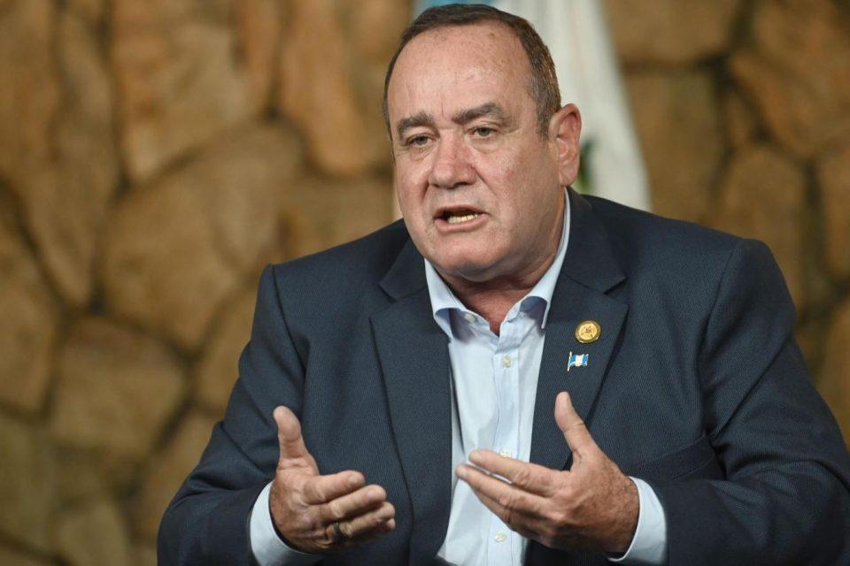 Giammattei reiteró su apoyo a Guaidó y extendió su rechazo a Maduro