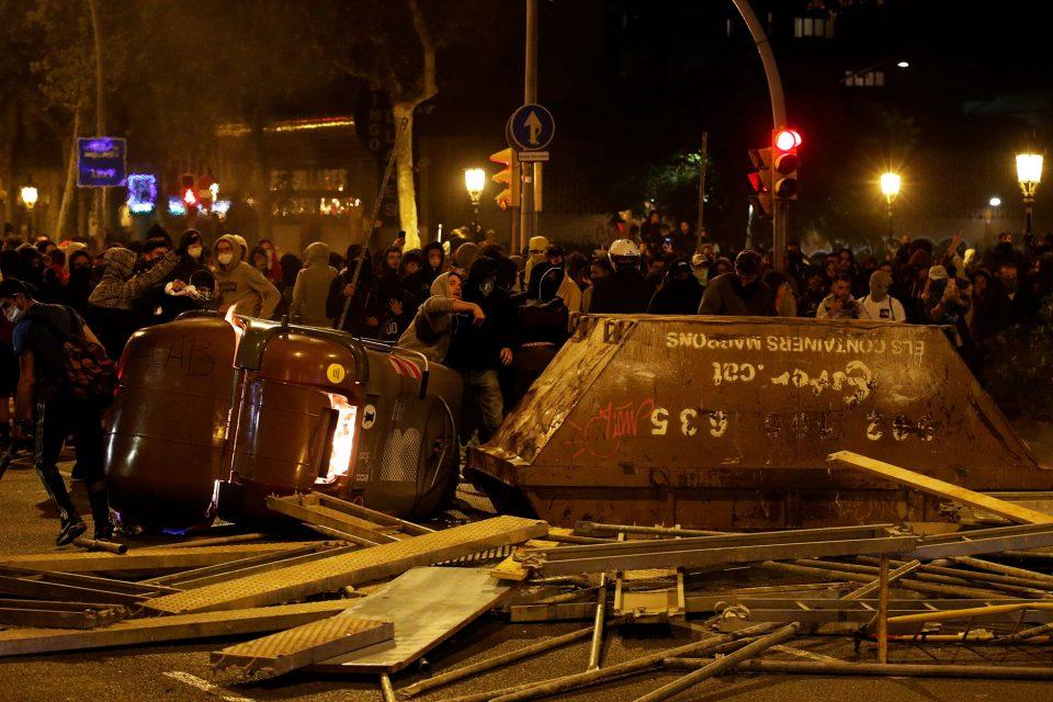 Cataluña vive días de máxima tensión por crecientes protestas independentistas