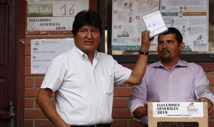 Bolivia celebra jornada electoral con un Evo Morales seguro de su reelección