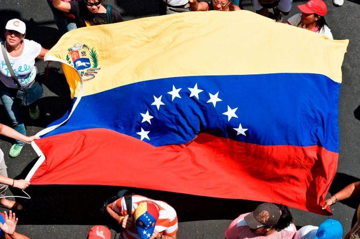 ¡Sin retorno! Embajador Vecchio insiste a los venezolanos a no dejar de protestar