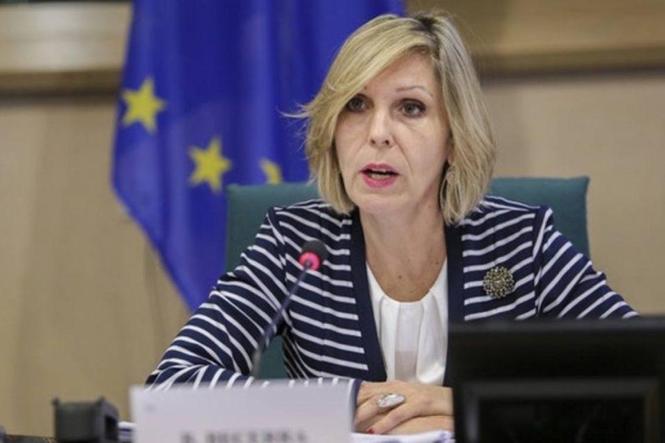 Beatriz Becerra pide tomar acciones inmediatas para sacar a Maduro del poder