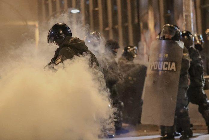 Continúa la violencia en las calles de Bolivia