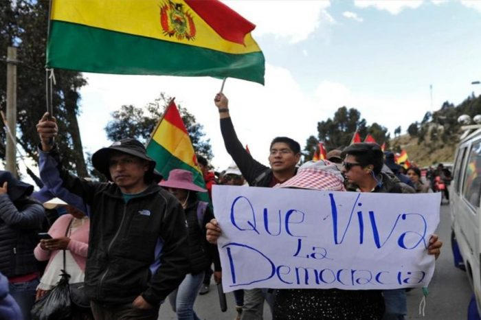 Líderes cívicos dieron 48 horas a Evo Morales para que renuncie
