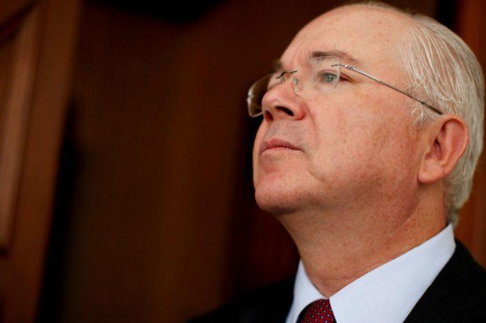 Confesiones de Rafael Ramírez | Maduro entregó a Hugo Chávez por un puñado de dólares
