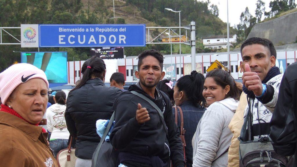 La mayoría de venezolanos en Ecuador trabajan por su cuenta para sobrevivir