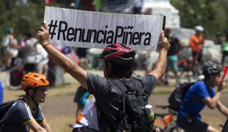 """¡Sigue el estallido social! Chile iniciará la semana con """"Súper lunes"""" de protestas"""