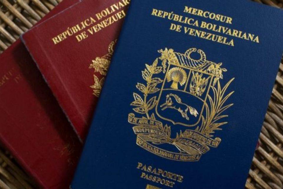 Panamá anunció que aceptará pasaportes vencidos de venezolanos