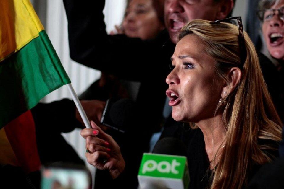 Áñez responsabilizó a Maduro de las protestas a favor de Evo Morales en Bolivia