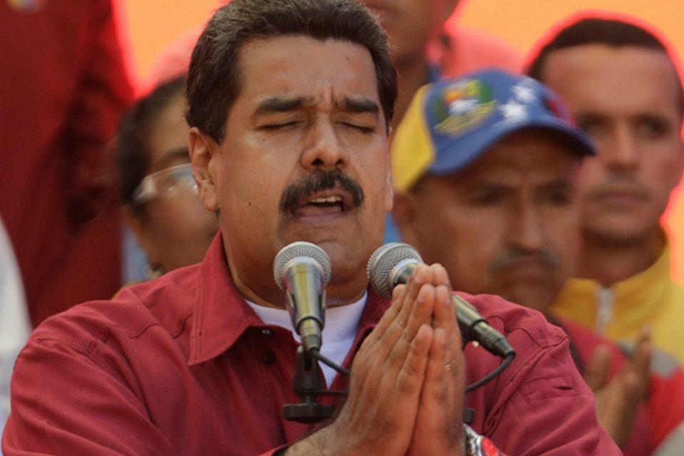 Colombia - Venezuela crisis economica - Página 19 Maduro-rezando-960x640