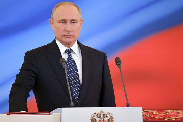 """Putin propone enmiendas constitucionales """"para el desarrollo de Rusia"""""""