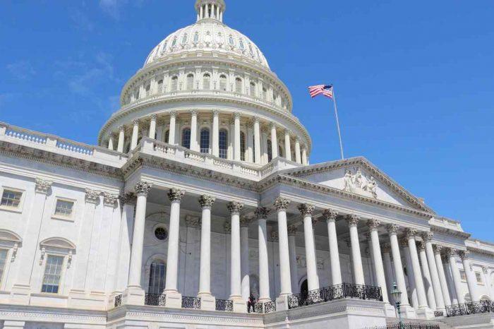 Congreso de EEUU aprobó impedir más acciones militares de Trump contra Irán