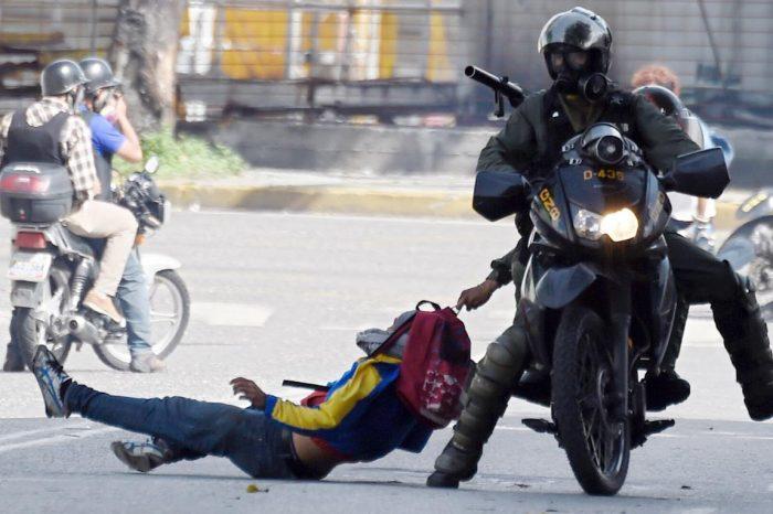 Cubanos detrás de los métodos más crueles de tortura en Venezuela