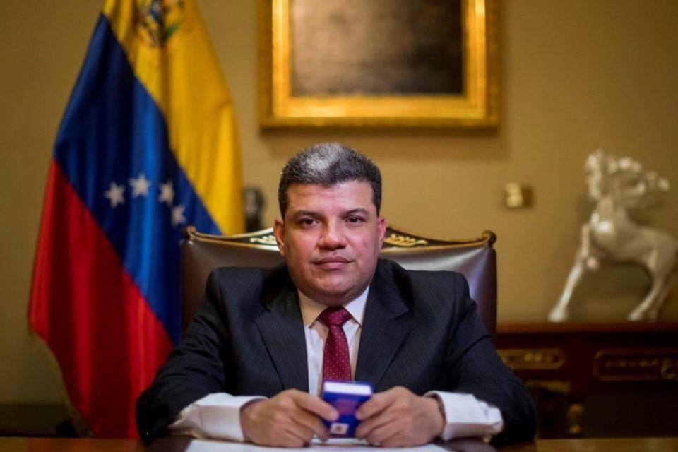 """Luis Parra se niega a mostrar pruebas de su """"triunfo"""" en el Parlamento"""
