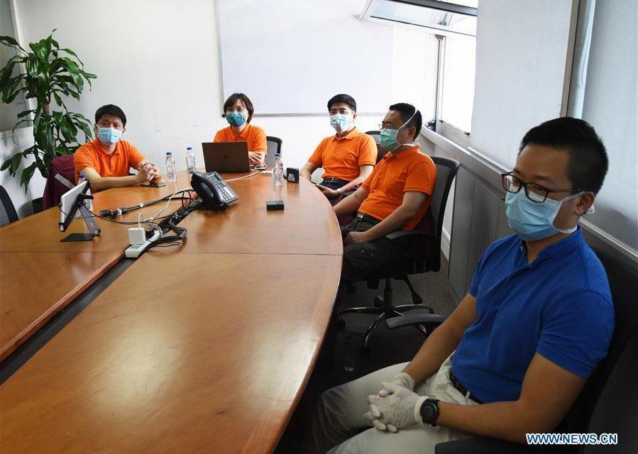 Médicos chinos en Venezuela atienden desde una oficina, a distancia y por internet (Fotos)